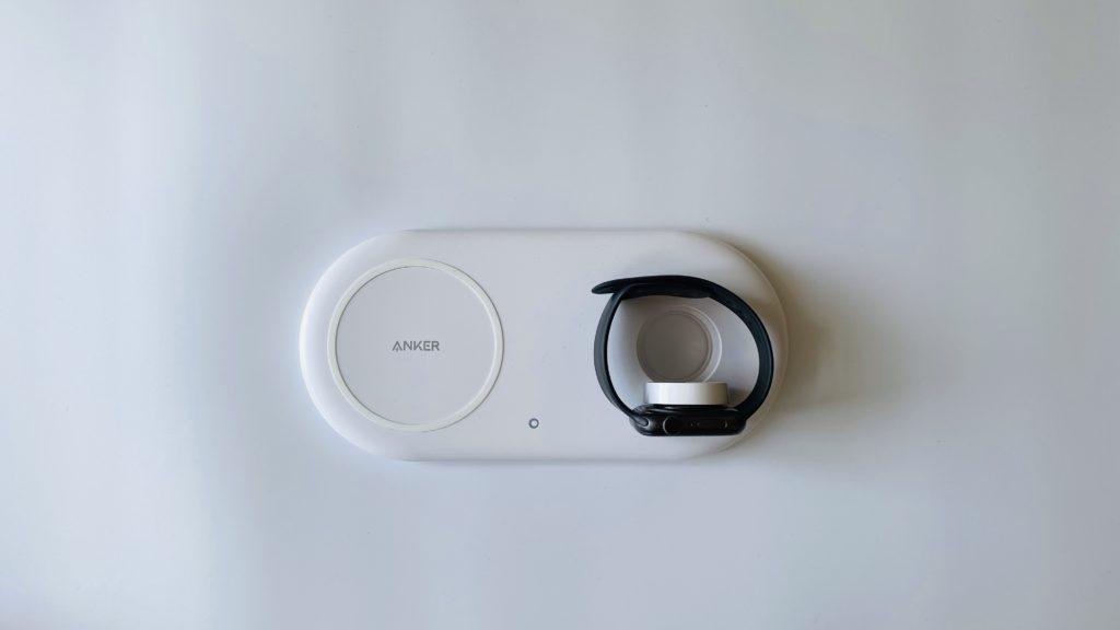 Ankerワイヤレス充電器の充電スタイル(スタンド型)
